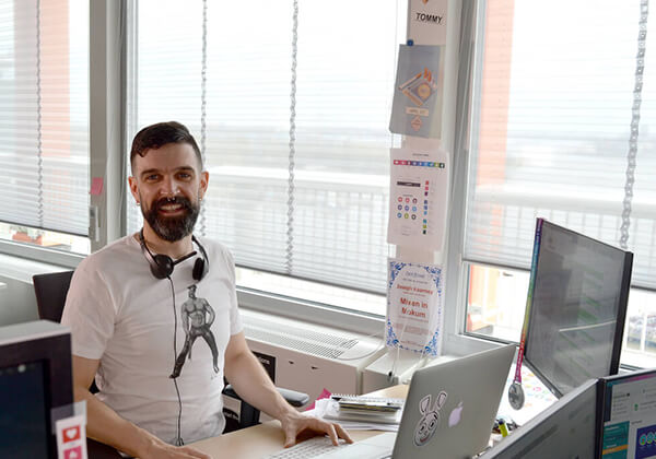 ROMEO Social Media Officer Resume Sample